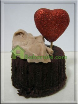 کاپ کیک شکلاتی با مغز کرم شکلات